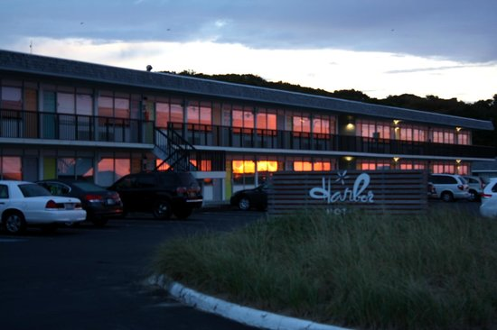 Harbor Hotel Provincetown: Hotel sunrise