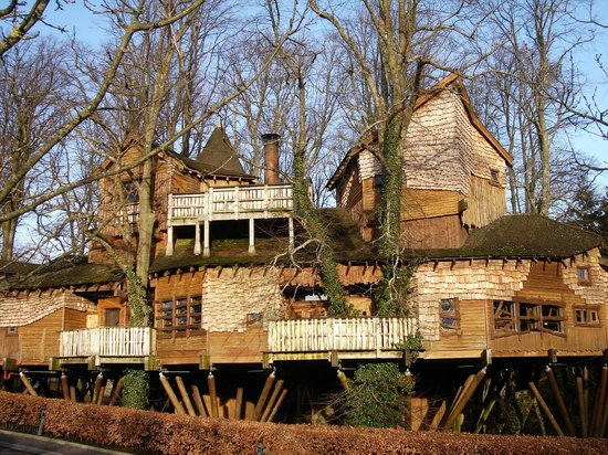 Aln House:                   The Treehouse Restaurant, Alnwick