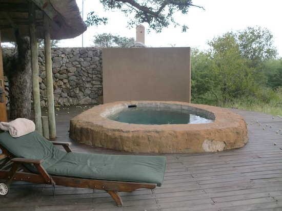 Rhulani Safari Lodge:                   Plunge pool on room deck