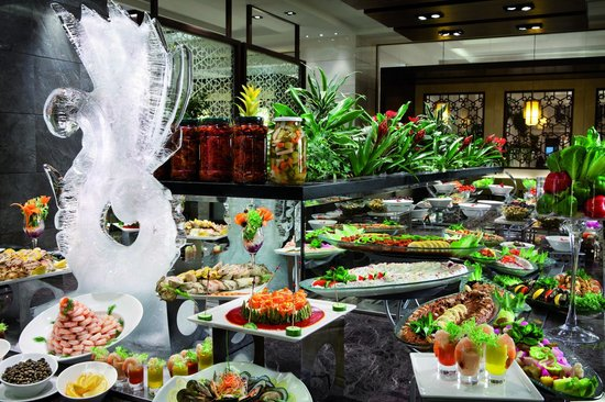 Makkah Clock Royal Tower, A Fairmont Hotel: International buffet at Atyaf