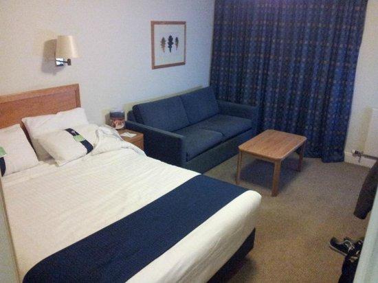 Holiday Inn Colchester: room