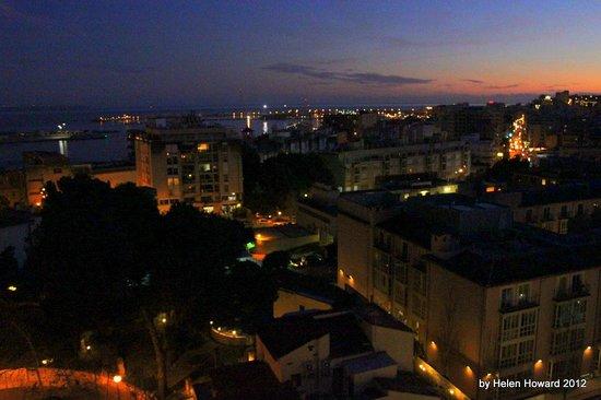 Hotel Isla Mallorca & Spa : View from balcony by night