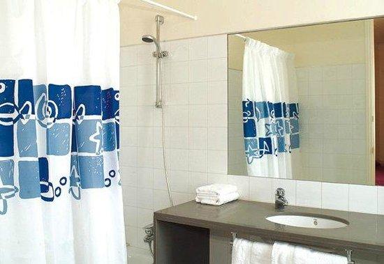 Bathroom MH Apartments Tetuan