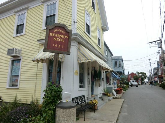 Bearskin Neck:                   shops
