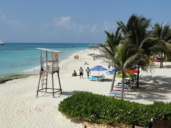 Fusion Hotel:                   La plage vue de la chambre