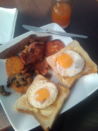 Monte Pio Hotel and Conference Centre:                   Cooked breakfast - very nice