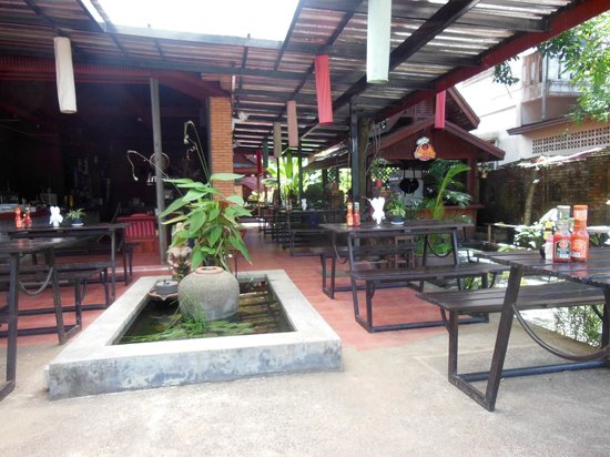 Inthira Vang Vieng : the restaurant