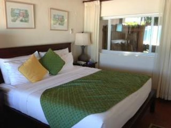 Galley Bay Resort: Superior room (slightly smaller than deluxe)