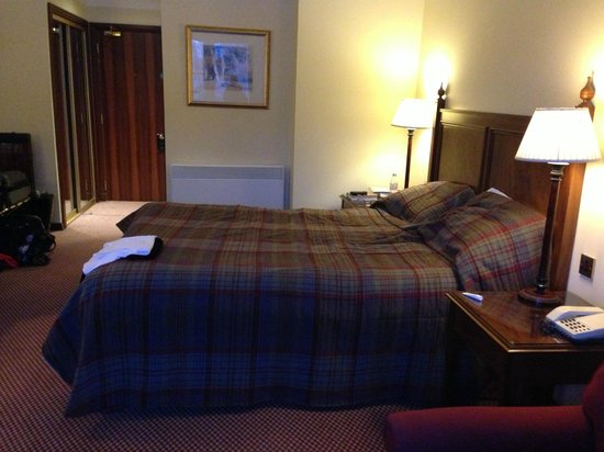 Macdonald Cardrona Hotel, Golf & Spa :                   Bedroom 210