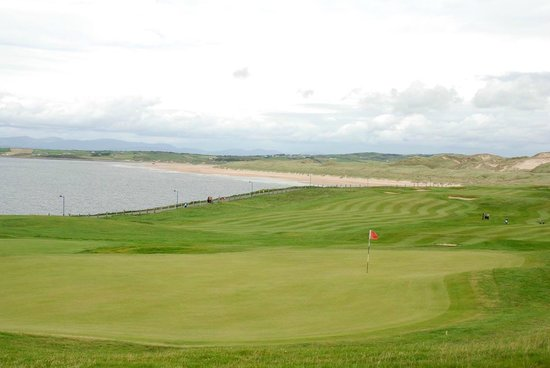 Bundoran, Irland: View from 12th green overlloking Tullan Strand Beach