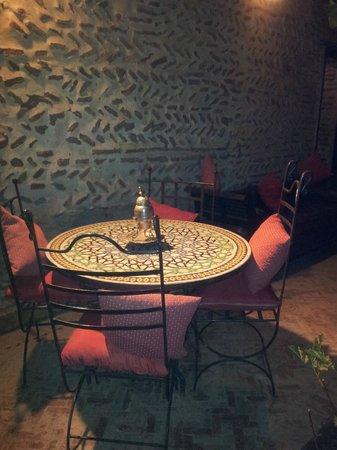 Dar Abiad:                   Riad 2 Courtyard