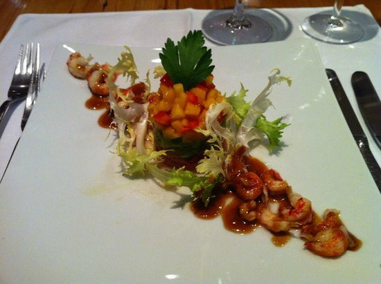 arthausHOTEL:                   Vorspeise Flusskrebse Salat