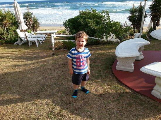 Haus am Strand: Er hat sich sehr übers Wasser gefreut
