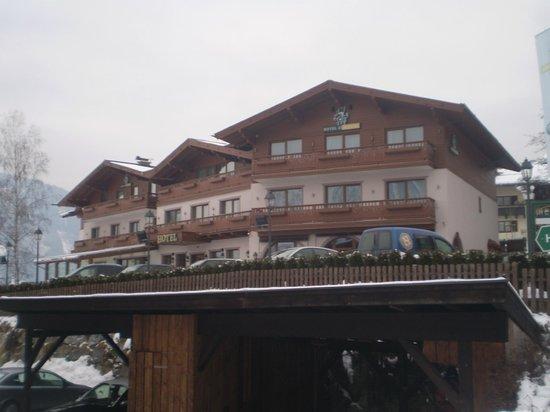 Hotel Zur Burg:                   Aussenansicht Hotel