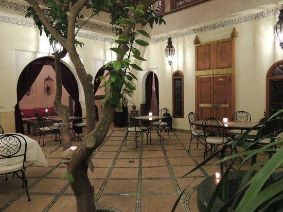 Riad Granvilier:                   Courtyard area