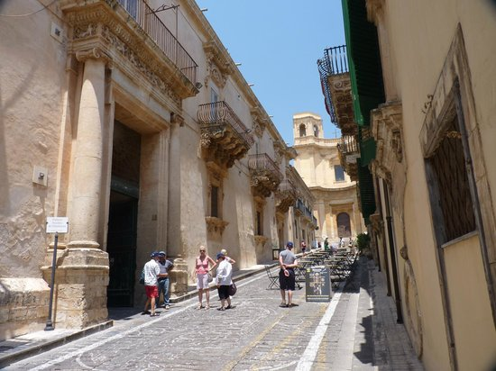 Late Baroque Towns of the Val di Noto: barocco