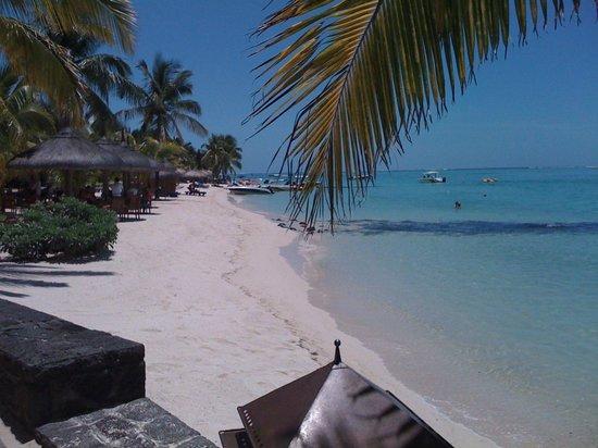 Paradis Beachcomber Golf Resort & Spa:                   La plage de sable blanc et eau turquoise transparente