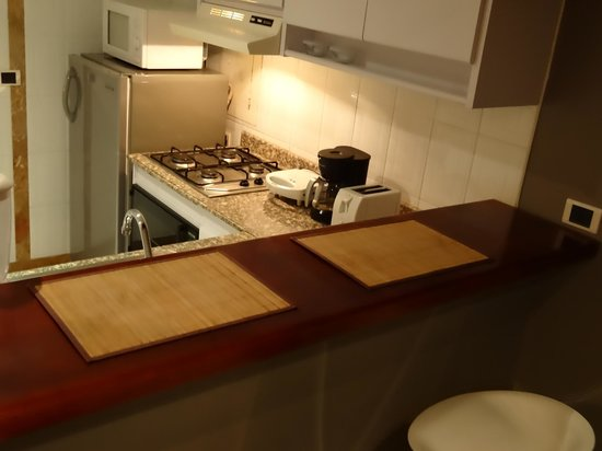 Arlington Place: Equipped Kitchen