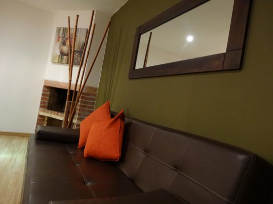 Arlington Place: Three Bedroom apartment Living Room