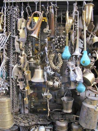 Chor Bazaar: Music - a shop I loved because I'm a music teacher!