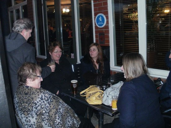 Fletchers Arms: Only able to get outside seating ?