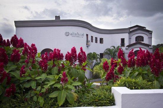 Hotel Alta Las Palomas: hotel facade
