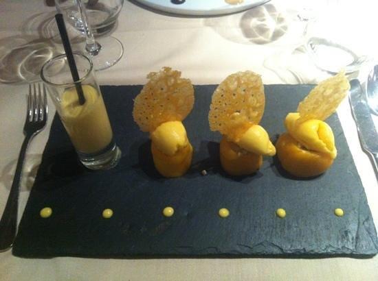L'Auberge:                   Makis de mangue