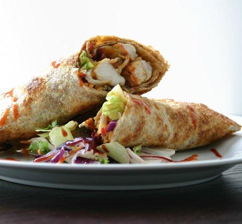 Yetis' Retreat: Lunchtime Chicken Chili Wrap