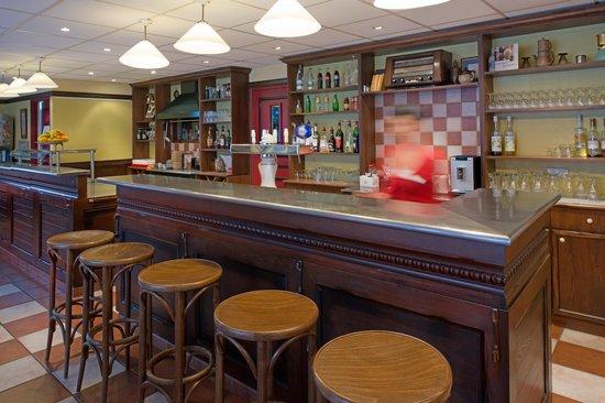 Ibis Thionville Porte du Luxembourg : Bar