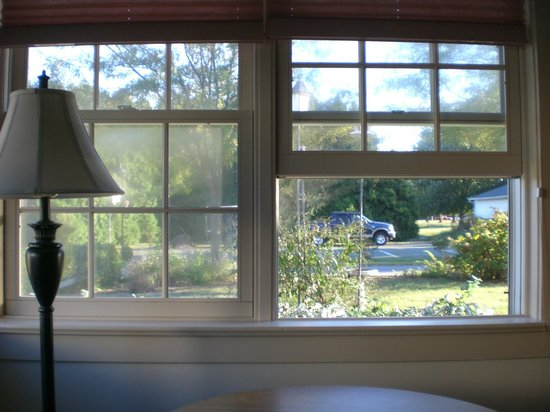 Spruce Lane Lodge & Cottages:                   Loved being able to open the windows for some fresh air!