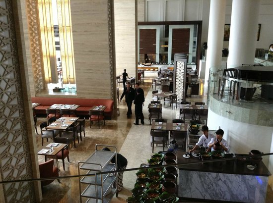 Hotel Santika Premiere Slipi:                   ruang untuk breakfast, lunch dan dinner