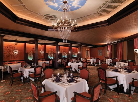 The Venetian Chop House : The main dining area in The Venetian Room