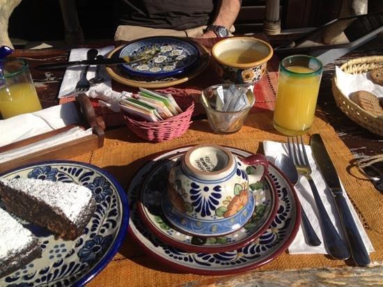 Hemingway Romantic Eco Resort:                   Wunderbares Frückstück mit Eier oder Früchten nach Wahl