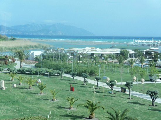 Hilton Dalaman Sarigerme Resort & Spa:                                     Hotel grounds