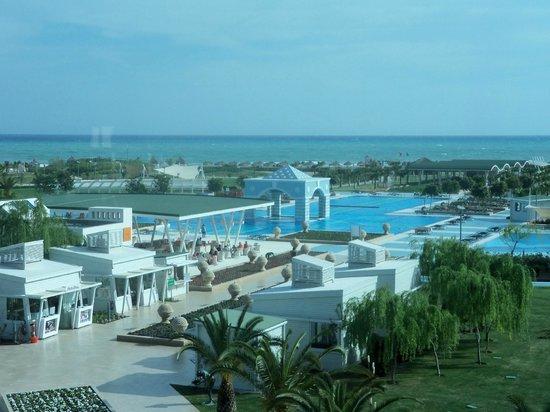 Hilton Dalaman Sarigerme Resort & Spa :                                     Main outdoor pool