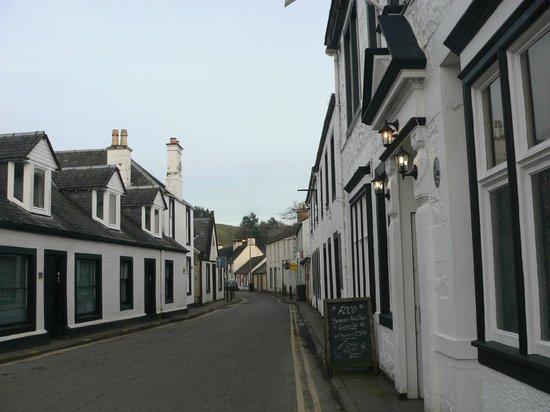 Craigdarroch Arms Hotel:                   Looking down the main street of Moniaive from hotel.