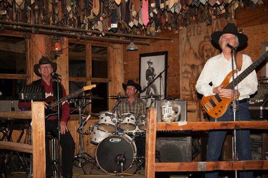 Pinnacle Peak Patio Steakhouse: Country Band