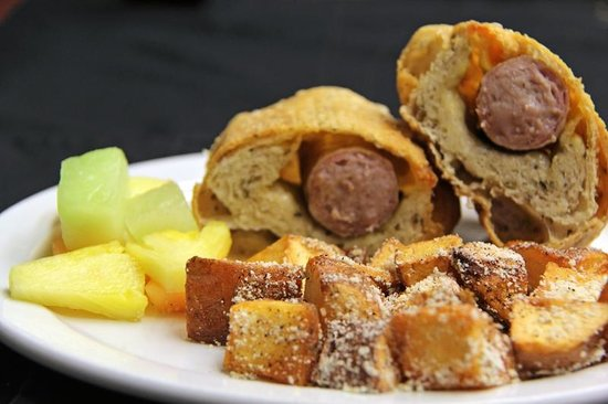 McCormick Cafe: Bratwurst Wrap
