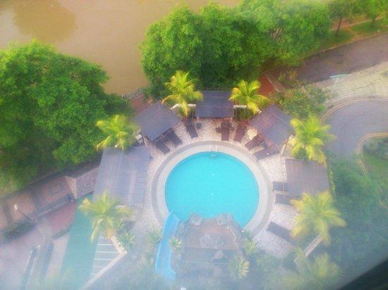 Robertson Quay Hotel:                   pool area