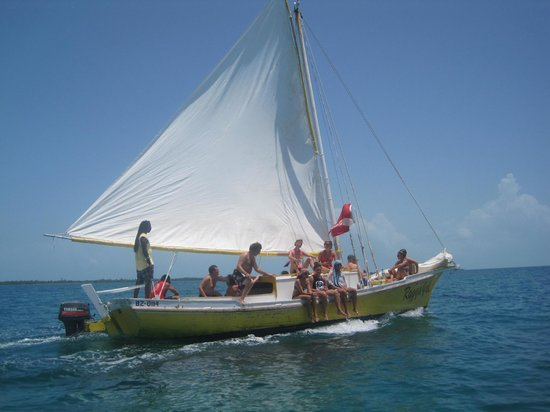 Raggamuffin Tours - Day Tours:                   The sister Ragamuffin boat