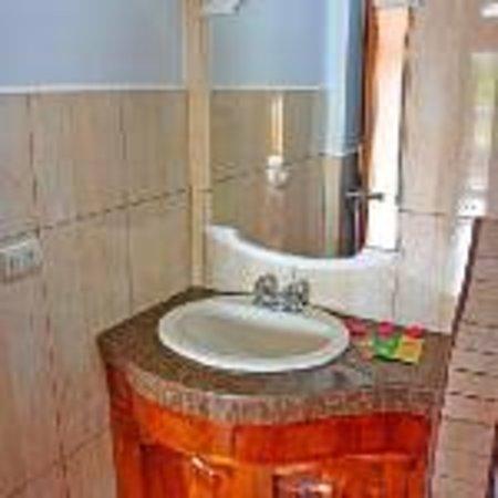Galapagos Eco Friendly : Bathroom