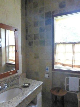 Solar da Ponte:                   Lage enough functional shower room.