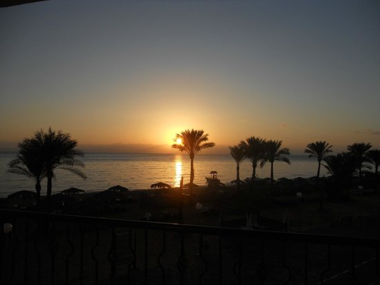 Sol Taba Red Sea : sunrise from our suite