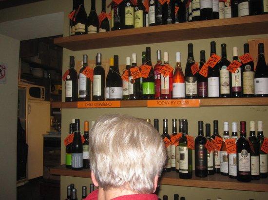 Vinograf  Wine Bar:                   Mera av det stora sortimentet
