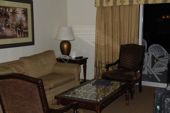 Lake Buena Vista Resort Village & Spa:                   Living room