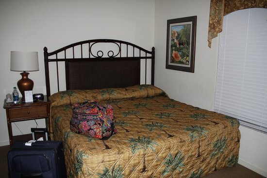 Lake Buena Vista Resort Village & Spa:                   Other queen sized bed bedroom