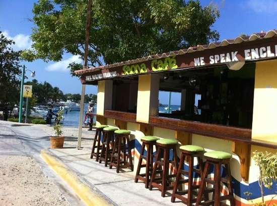 Saona Cafe: Come and have a seat!