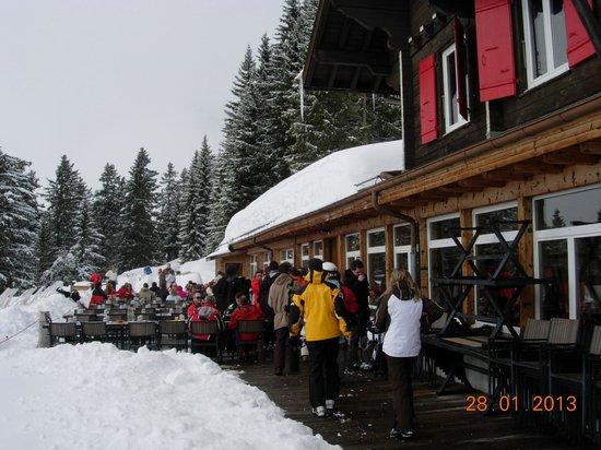 Villars-sur-Ollon, Schweiz:                                     Diner en altitude dans le resto du club