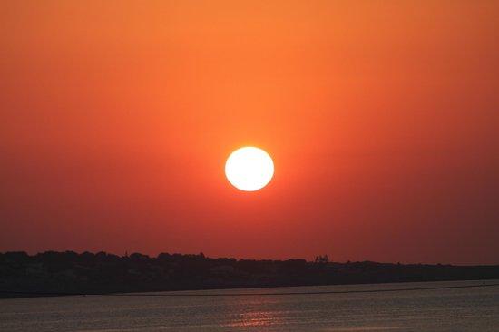 VOI Arenella resort:                                     l'alba