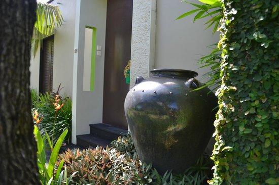 Pradha Villas:                   مدخل الفيلا
